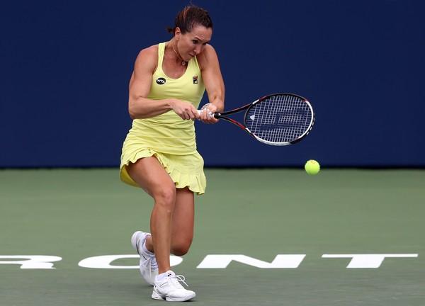 Jelena Janković pobedila francuskinju Karolin Garsiju