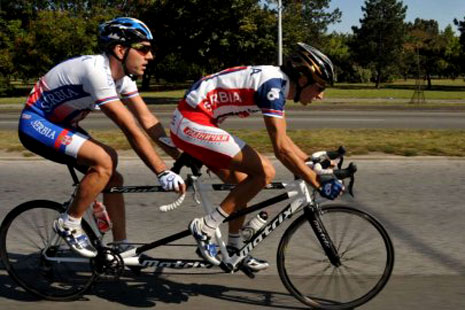 "Leskovčanin Milan Petrović se sprema za Paraolimpijske igre u Brazilu u kategoriji ""tandem biciklizam"""