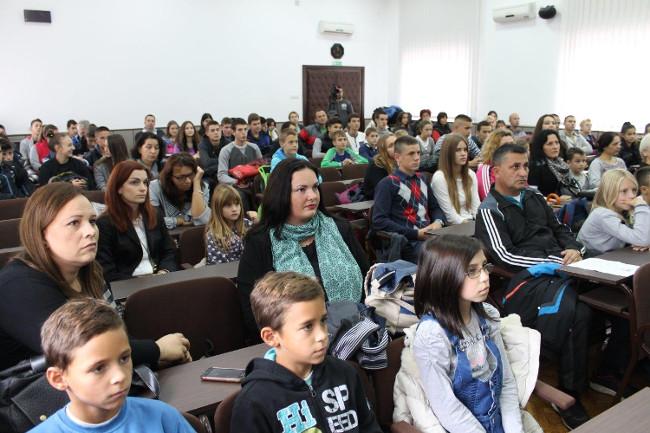 """Humanitarni kros pod nazivom """"Za srećnije detinjstvo"""" održan u Gornjem Milanovcu"""