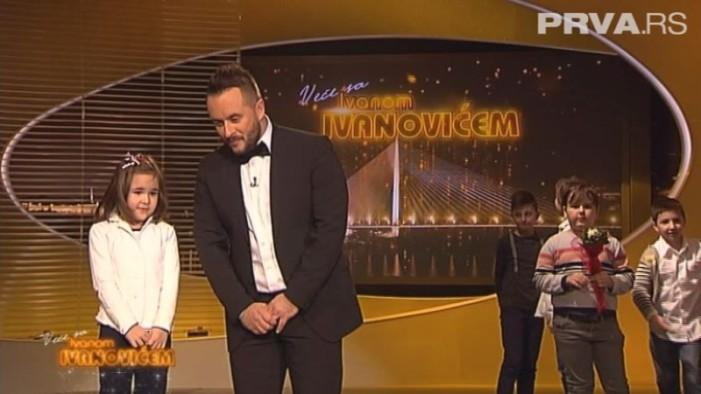 """Pojavio se pravi Deda Mraz u emisiji """"Veče sa Ivanom Ivanovićem"""""""