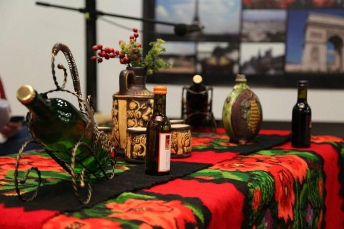 Kladovo – Meraklijsko veče uz vina u galerijskom holu biblioteke