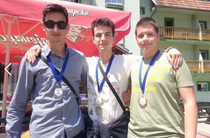 Tri sjajne medalje za niške gimnazijalce