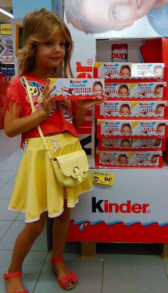 """Ova preslatka Nišlijka vam se smeši sa """"Kinder"""" čokolade"""