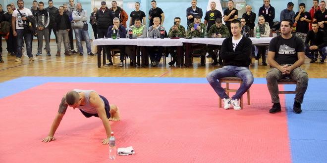 Srđan Ristić oborio Ginisov rekord u broju sklekova