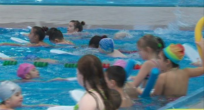 Besplatna škola plivanja za niške školarce
